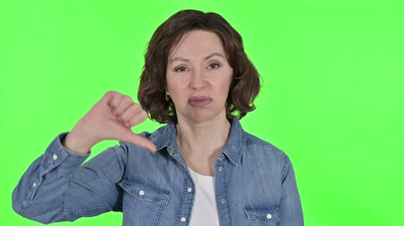 kciuk : Thumbs Down by Old Woman, Green Chroma Key Background Wideo
