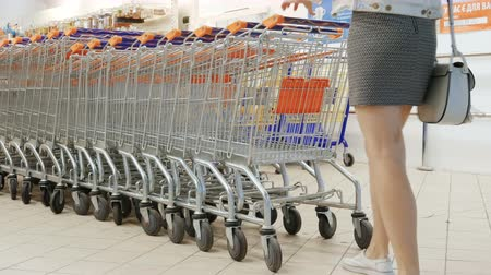 críquete : Trolley in the supermarket