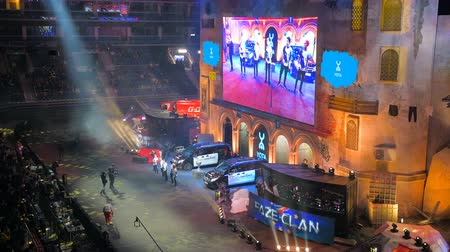 MOSCOW, RUSSIA - OCTOBER 27 2018: EPICENTER Counter Strike: Global Offensive esports event. Main stage, big screen with team Liquid players on it. Stok Video