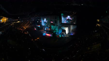 flama : MOSCOW, RUSSIA - OCTOBER 27 2018: EPICENTER Counter Strike: Global Offensive esports event. Main stage, big screen with game moments from overlooking spot at the top of the arena. Stok Video