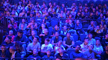 герои : MOSCOW, RUSSIA - 14th SEPTEMBER 2019: esports Counter-Strike: Global Offensive event. Video games fans screaming and cheering for their favorite team during the match.