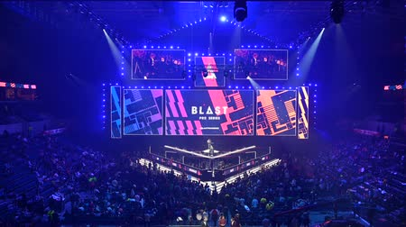MOSCOW, RUSSIA - 14th SEPTEMBER 2019: esports Counter-Strike: Global Offensive event. Main stage, lightning, illumination, big screen before the opening ceremony. Dostupné videozáznamy