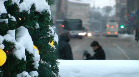 kasaba : HD - Winter in the City. Traffic of a people at Christmas