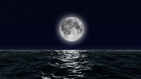 horizonte sobre a água : HD - Moon over the ocean Stock Footage