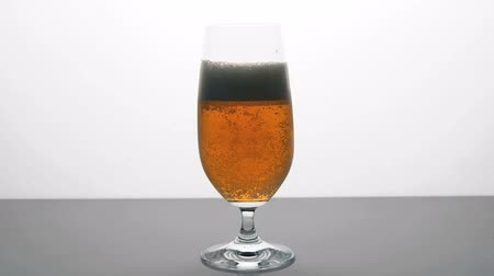 cerveja : HD - Glass of Beer