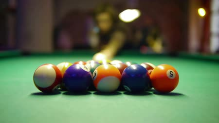 прицеливание : HD - Billiards. First shot Стоковые видеозаписи