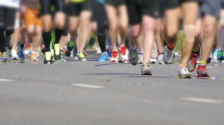 motivare : HD - City Marathon. Piedi di persone Close Up