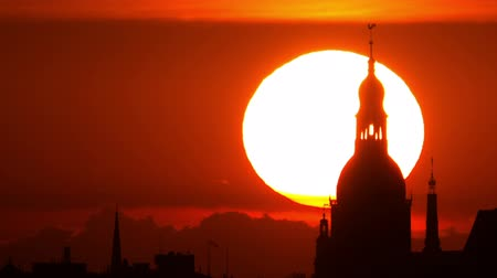 riga : HD - Sunset in the old town