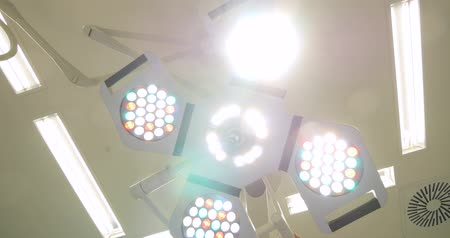 věčnost : 4K - Surgical lighting