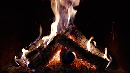 coals : 4K - Fire in the fireplace. looped video