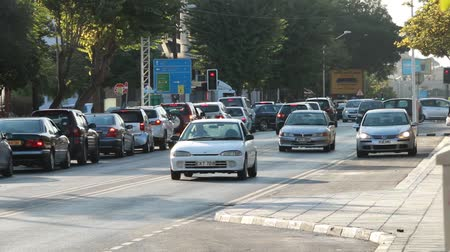 eski şehir : Cars driving in the city