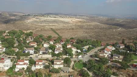 west bank : Flying over Nili Israeli settlement Aerial view of Nili Israeli settlement Stock Footage