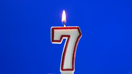 hét : Number 7 - seven birthday candle burning - blow out at the end