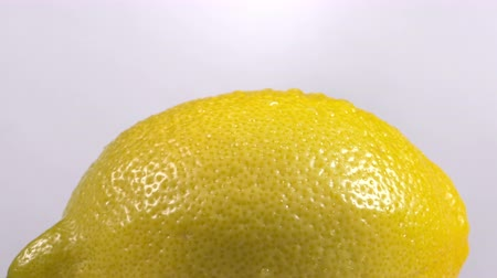 cytryna : Close-up of a delicious lemon rotating