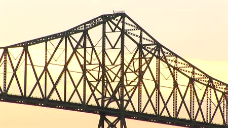 kolumna : Close-up view of Astoria bridge at dusk, Oregon