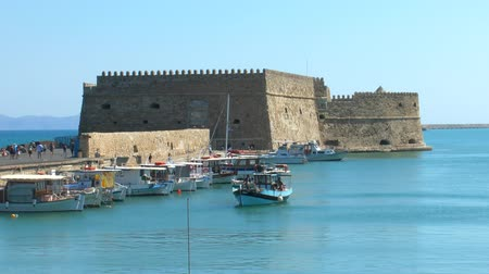 grego : Venetian Fortress Koules  and harbor, Heraklion, Crete Vídeos