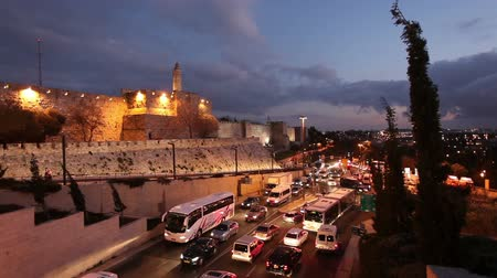 jerozolima : Illuminated Jerusalem Old City Wall at Night, Israel