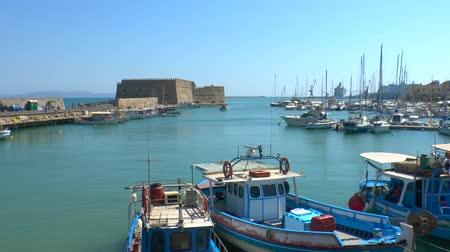 antika : Venetian Fortress Koules  and harbor, Heraklion, Crete Stok Video