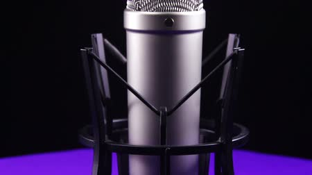 mikrofon : Studio Microphone with Spider Rotates on a Black Background Wideo
