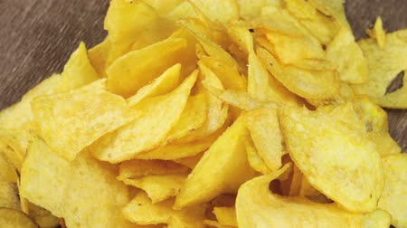 brambory : Potato Chips Rotating