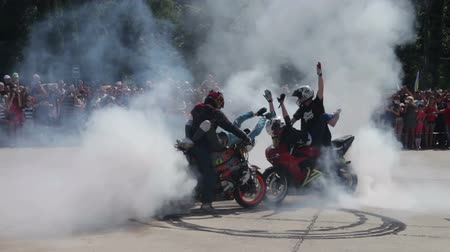 façanha : Stunt Moto Show. Extreme Motorsports. Bikers parade and show