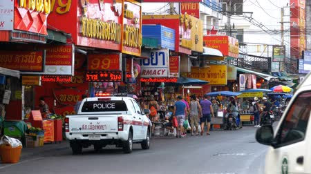 мостовая : Road Traffic and Markets in Street of Pattaya, Thailand