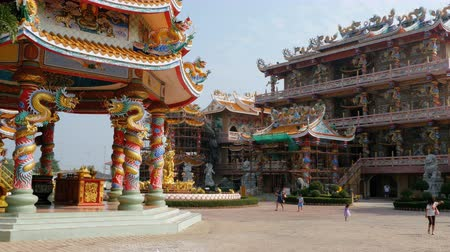 externo : The architecture of the Chinese Temple Bangsaen in Thailand.