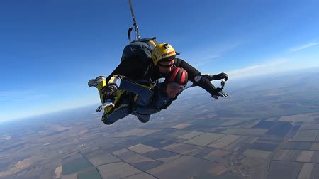 padák : Tandem Skydiving. The moment of opening the parachute. Tandem Jump. Free Fall