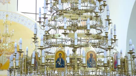 exotikou : A large crystal chandelier in the church