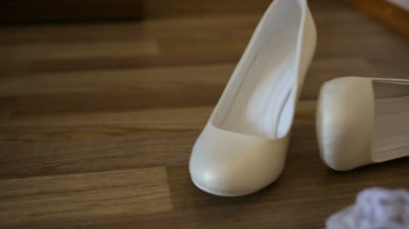 high heeled sandals : White wedding shoes for women