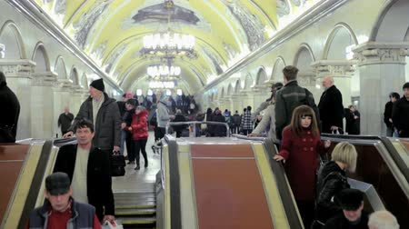 метро : moscow subway escalator