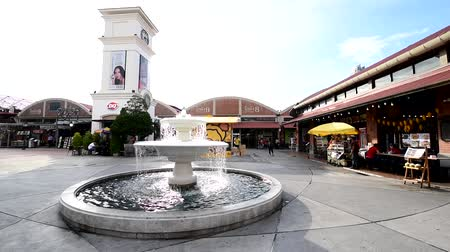 Bangkok , Thailand -  31  May, 2019 : Fountain in ASIATIQUE The Riverfront shopping centre Stock Footage