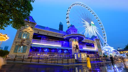 ホーンテッド : Bangkok, Thailand -  3 July, 2019 : Day to night time lapse The haunted house at amusement park in night time of ASIATIQUE The Riverfront shopping mall 動画素材
