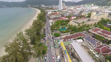 Пхукет : Flying over the city and the beach. Phuket. Patong. Thailand.