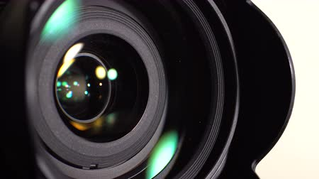 videocamera : Lens DSLR camera. Dynamic change of focus. Close-up Stock Footage