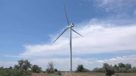 pervane : Wind power plant generates electricity