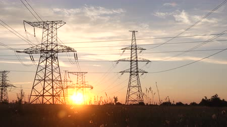 パイロン : High Voltage Power Station at Sunset