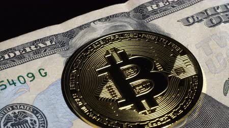banknotlar : Bitcoin coin and 20 dollar bill