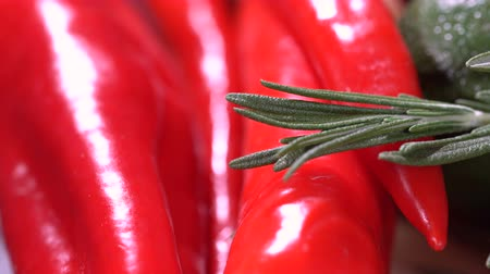 tomilho : Red hot pepper with rosemary