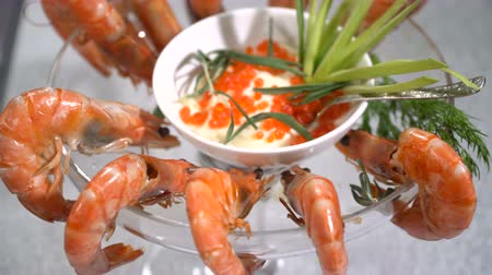 shellfish recipe : Dish of shrimp on a table in a restaurant