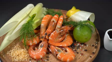 pırasa : Shrimps with spices and citrus