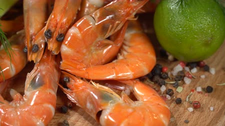 peppercorn : Shrimps with spices and citrus