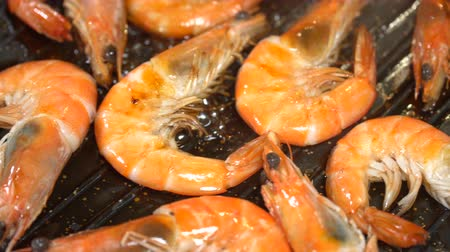 krewetki : Shrimp fried in soy sauce. Dolly shot