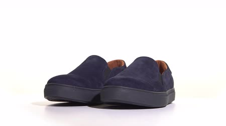 vestindo : Purple mens slip-on sneakers