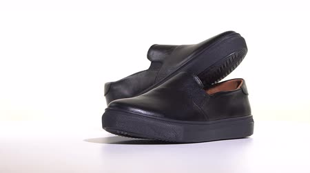 軽量 : Mens Black Slip-on Sneakers 動画素材