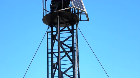 gyrophare : Small lighthouse on solar panels on the Black Sea