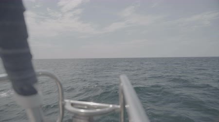 só : The nose of a yacht sailing in the Black Sea. S-Log3 S-Gamut3 Cine Stock Footage