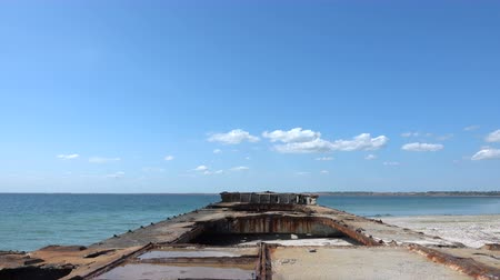 rozsdásodás : Old sunken rusty barge on the Black Sea