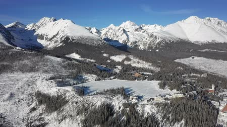Словакия : Winter aerial panorama of Strbske Pleso resort in High Tatras mountains, Slovakia.