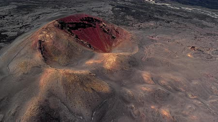 засушливый : Aerial view of Volcanic valley near Timanfaya National Park, Lanzarote, Canary islands, Spain